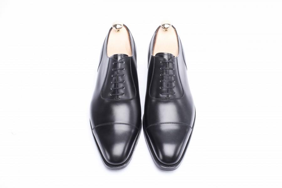 Un beau cuir est un cuir uniforme qui prend bien la lumière, mais ce n'est pas un cuir qui brille. (Crédit : Septième Largeur)