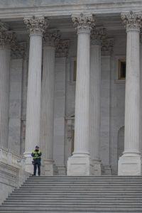 Photo prise au pied des marches du Capitole