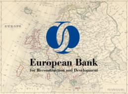 Logo de la BERD sur fond de carte ancienne de l'Europe